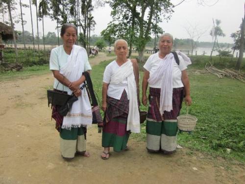 Old ladies in Tai-phakey Village